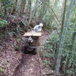 舞鶴市東舞鶴でのお墓移転工事。山の上の高い場所から山道を運搬し、お参りしやすいお寺の墓地へ